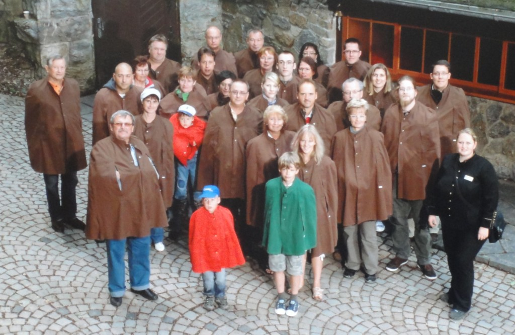 Gruppenbild vor den Feengrotten in Saalfeld